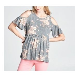 Tops - SOLD NWT SHORT SLEEVE FLORAL GRAY TOP